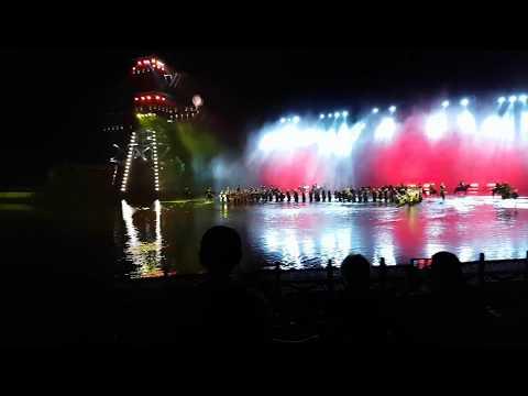 3 kingdoms show on Yangze river China