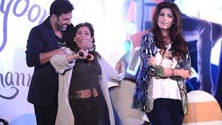 Why Is Akshay Kumar Covering Dimple Kapadia