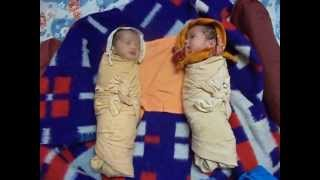 Twin babies - Laughing Talking Crying Sleeping