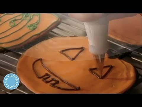 Icing Recipe to Help Decorate Pumpkin-Shaped Cookies - Martha Stewart