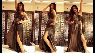 Kriti Sanon HOT Dance On Bed In Slit Dress!