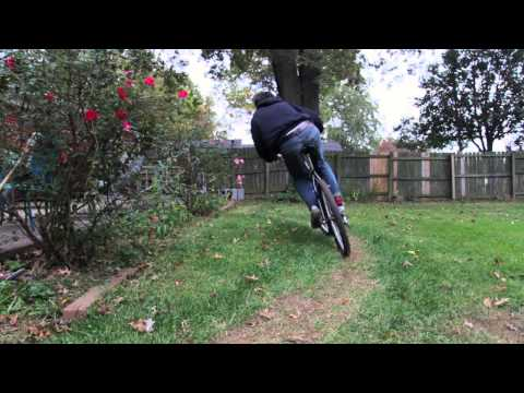 Simple backyard bicycle track