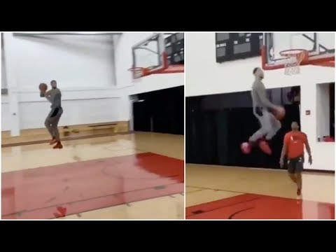 Zach LaVine tries some insane dunks right before the Dunk Contest