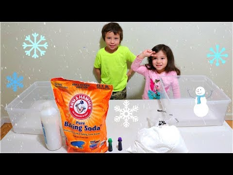Toddlers Learning Activity with Fake Snow - Making Homemade Snow with Baking Soda vs Corn Starch