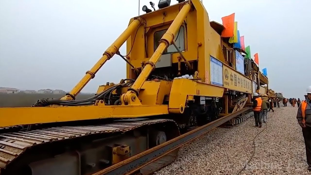 Why the Chinese railway is so developed. Indian engineers confused.