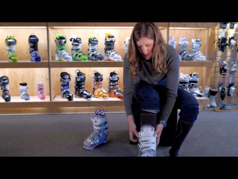 Ski Boot Fitting: How To Try On Your Ski Boots
