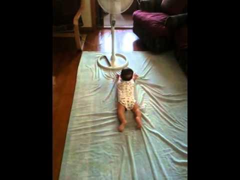 Baby BELLY Crawl