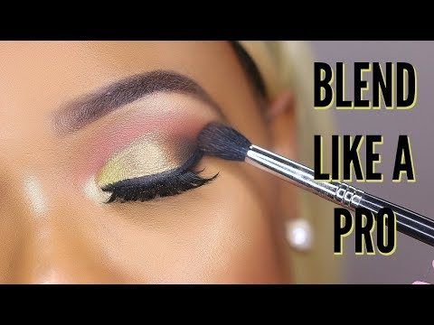 HOW TO BLEND EYESHADOW LIKE A PRO FOR BEGINNERS | OMABELLETV