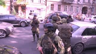 Працівники поліції затримали іноземця, який штучно створював ДТП та вимагав у водіїв гроші
