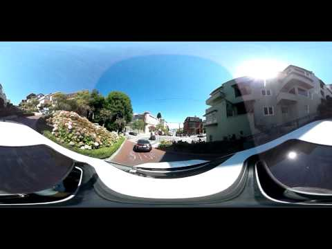 360 view driving down Lombard Street in San Francisco
