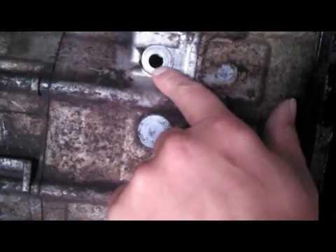 Fixing a oil plug leak on a 2003 Honda Foreman 450 ES - Solution