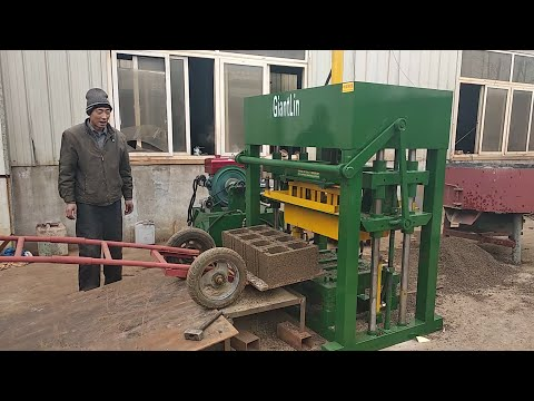 GiantLin QT4-30 hydraulic cement concrete hollow block making machine with diesel engine in Somali
