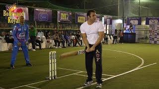 Aditya Thackeray, Sohail Khan, Aaftab Shivdasani At Tony Premiere League Exhibition Match Part 1