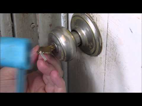 How to bump open a Schlage key in knob sc1 key way!