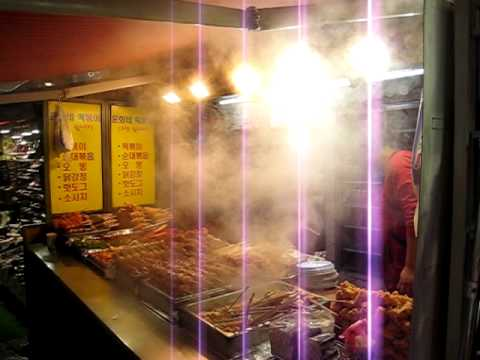 Hot snack in cold Myeongdong (2009)