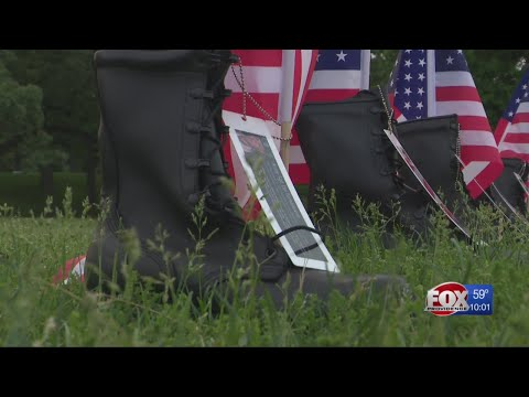 Light show ends 'Boots on the Ground' living memorial