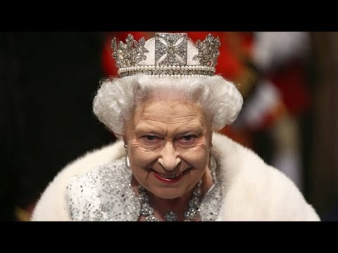 Top 5 Strict Laws That Queen Elizabeth Does Not Need To Obey