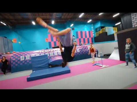 LEARNING NEW FLIPS AT TEMPEST! w/ Capron Funk (SUPER TRAMPOLINE PARK)