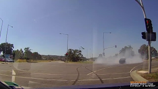 Driver performs Burnout in busy intersection - Craigieburn VIC