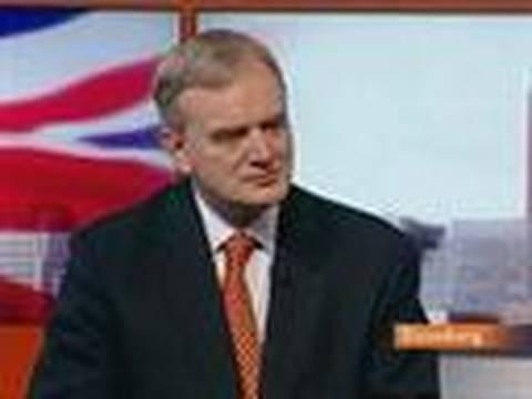 Buiter Doubts Other Finance Hubs to Copy U.K. Bonus Tax