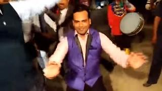 Funny Marriage Dance 2017(Bhabhi aawagi mahare bhabhi aawagi - Part 1