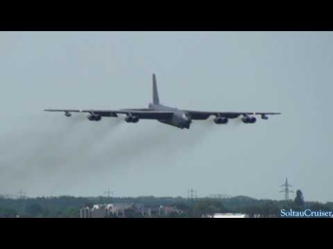 USAF B-52 Low Approach & Fly-By at Berlin Schoenefeld Airport (full HD)
