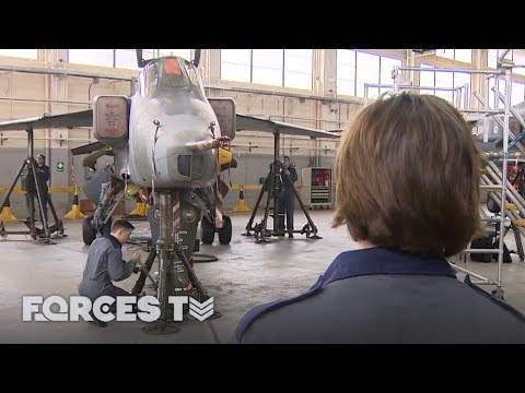 The Women Fixing Front Line Fighter Jets | Forces TV