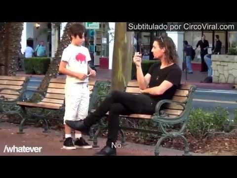 ¿Le encenderías un cigarrillo a un chico de 9 años? El experimento del niño fumador