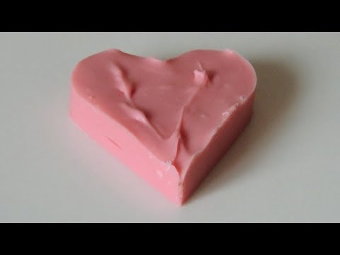 How to coloring white chocolate and mold pink hearts to Valentine's Day