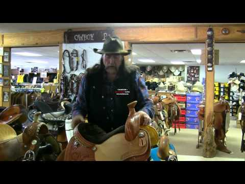 Buying a new saddle ! stall13.com videos