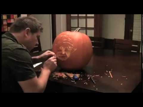 Dad Carves Time-lapse Pumpkin of Son