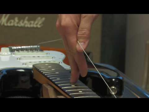 Mojo Techtorials - Guitar Restringing Tips