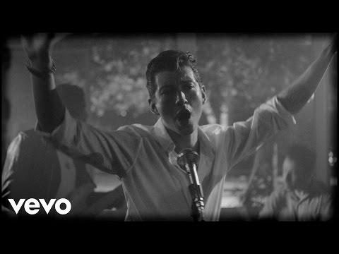"Arctic Monkeys lança clipe de ""Arabella"""