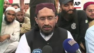 Supporters of hardline Sunni party protest against sectarian violence in Rawalpindi