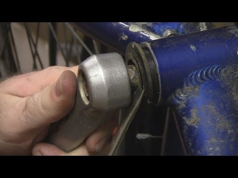 Trick for Removing a Bottom Bracket on a Bicycle