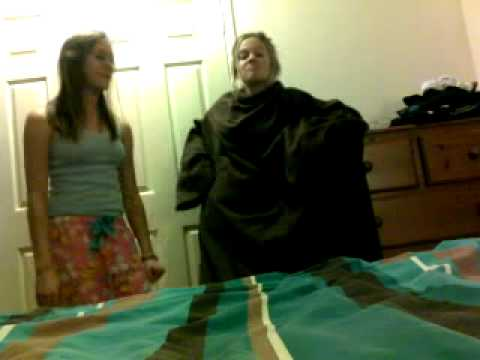 Snuggie tutorial-for all the snuggie lovers out there