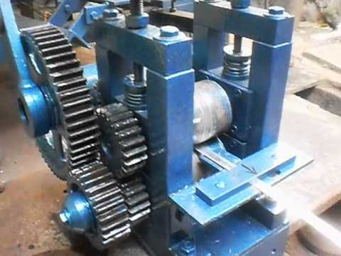 Roll strip feeder . METAL MASTER ENGG  for query,s mail metalmasterengg@gmail.com