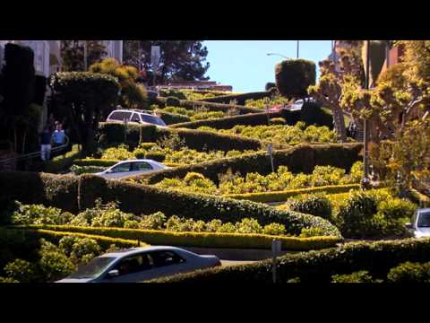 Cars driving down Lombard Street