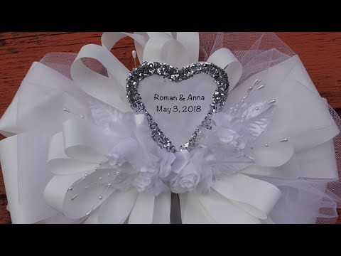 Making Personalized Bow Out Of Tulle and Ribbon