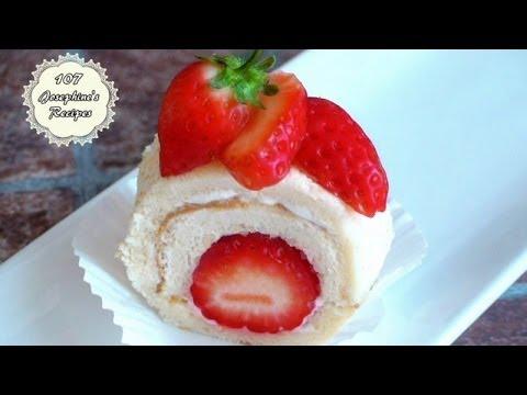 How to Make Strawberry Swiss Roll Cake 草莓瑞士卷 - JosephineRecipes.co.uk