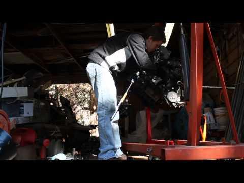 BMW 545i, N62, Crankshaft pulley bolt removal