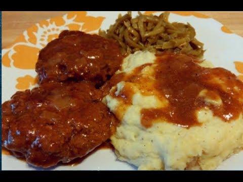 Southern Style Smothered Hamburger Steaks Recipe / Kiwanna's Kitchen