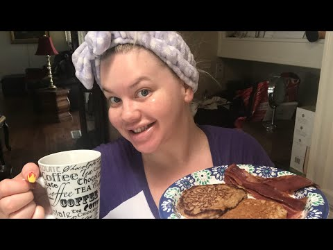 Eat With Me - Pancakes, Bacon and Life Updates