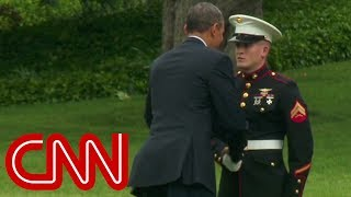 Obama forgets to salute