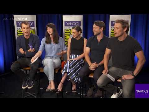 The Cast of 'Outlander' Recite Their Lines in American Accents [RUS SUB]