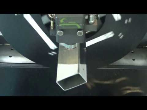 bodor 2.5mm stainless steel square pipe cutting by fiber lasercutters F1530T 1000W Maxphotonics