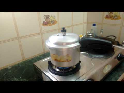Cook rice using Pressure cooker