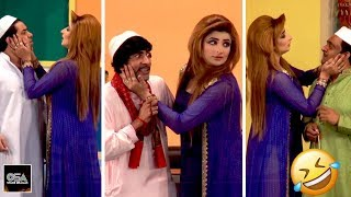 SARA KHAN THARKI LABDI - Best Comedy Scenes in Stage Drama||Very Funny😂