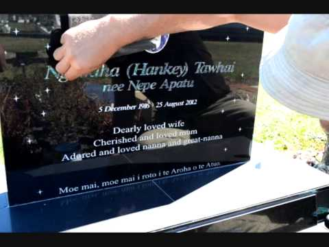 Headstone care, how to maintain inlays