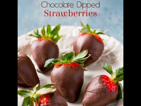 Super Easy Chocolate Dipped Strawberries